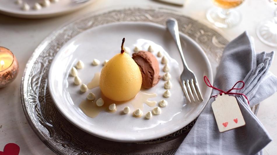 Poire-a-la-vanille-et-glace-au-chocolat_image950x533